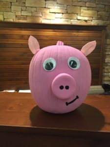 2019 pumpkin decorated as pig